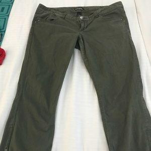 Express Ladies Capri Pants